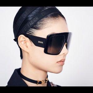 Dior so light 1 oversized runway sunglasses black